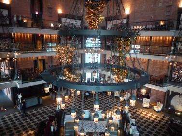 The hotel lobby & Bar