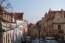 Walk up to Prague Castle